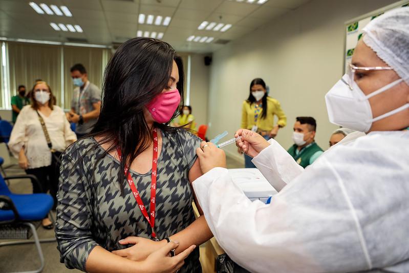 Vacina Manaus Covid-19 Vacinação SEMSA Portuários